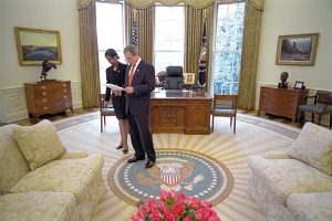 Secretary of State Condolezza Rice meets with President Bush in the Oval Office.